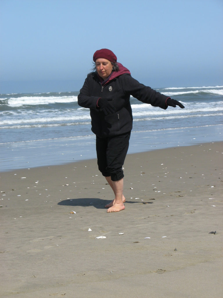 qigong on the beach oregon kamala quale class